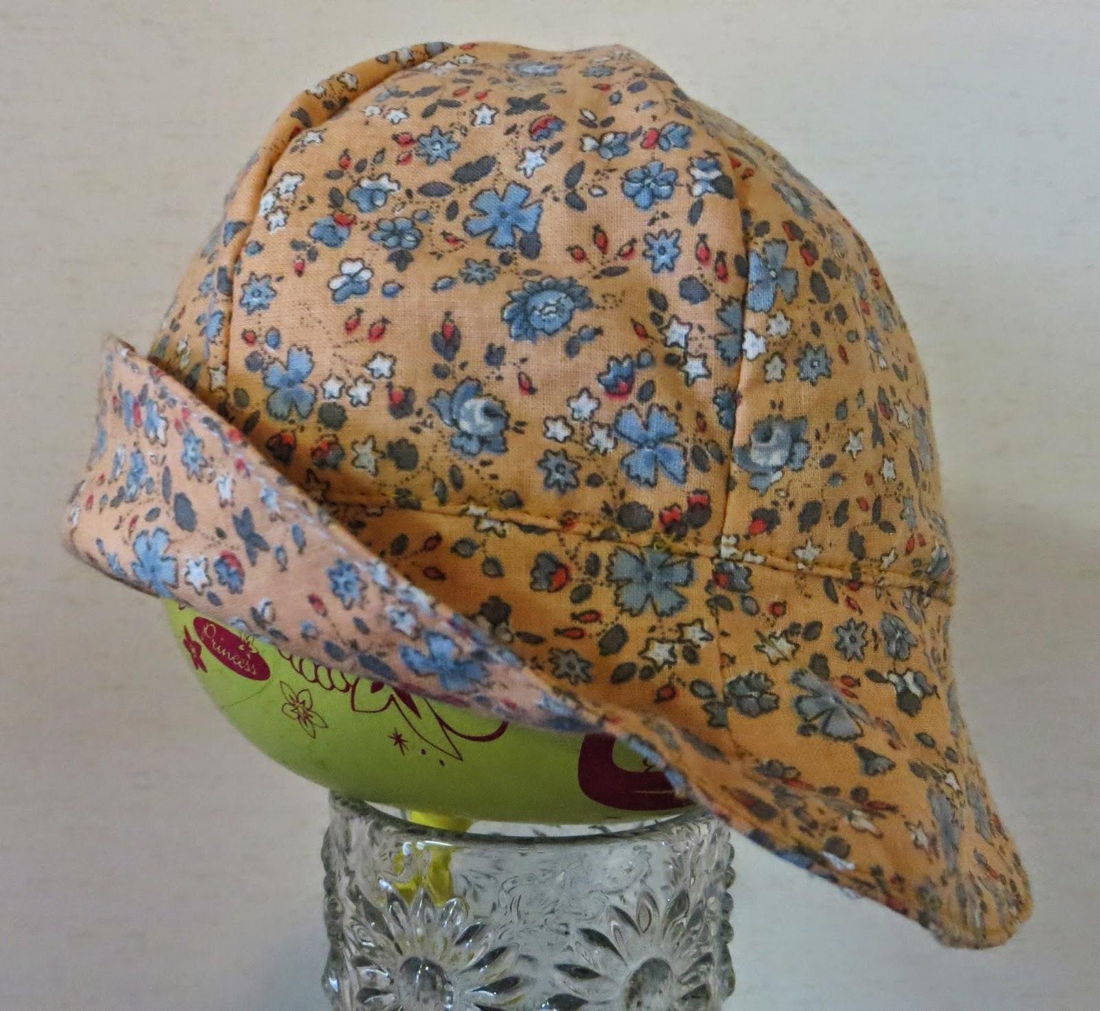 Hattu 3  Sinikukkainen hattu bfe8d90e32