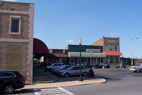 Jamestown is county seat of russell county kentucky