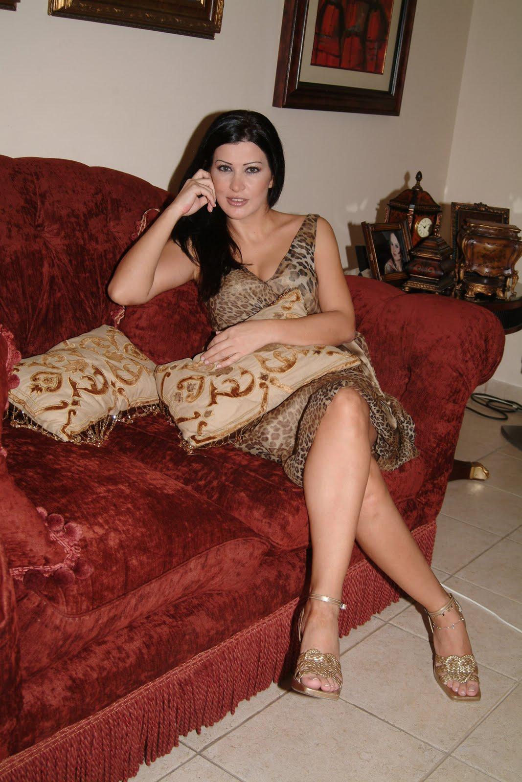 جمانة مراد : أعيش بمفردي و هذه بعض صوري ...