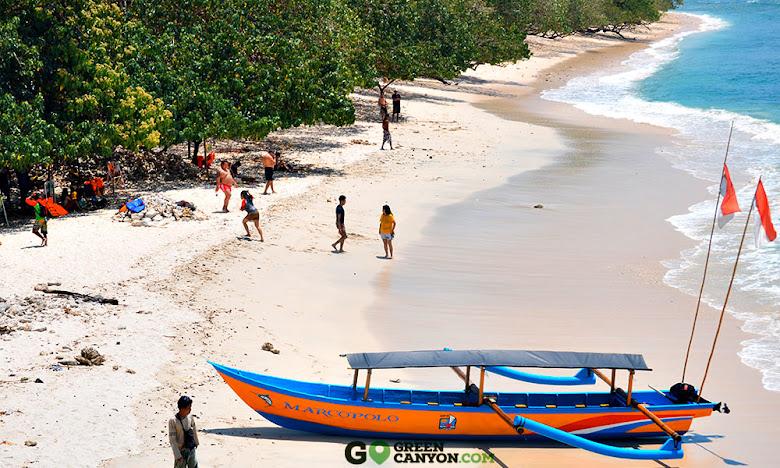 perahu wisata pantai timur pangandaran