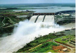 Brasil: DILMA DEFENDE CONSTRUÇÃO DE GRANDES HIDROELÉTRICAS NO PAÍS
