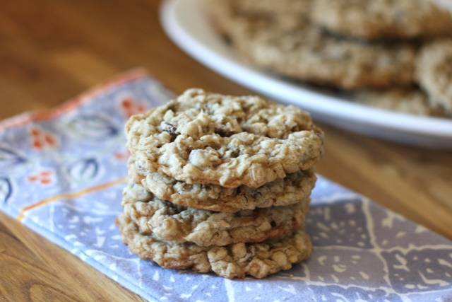 Soft Chewy Oatmeal Chocolate Chip Cookies {traditional and gluten free ...