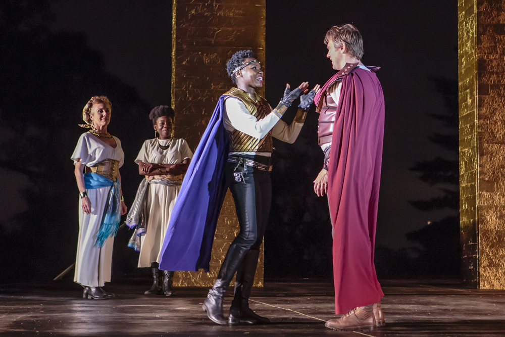 tsiolkas loaded and shakespeares antony and cleopatra Studying for the tragedy of antony and cleopatra is it relevant that shakespeare loaded ten years of material into one play that spans less than a month.
