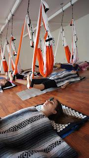 AeroYoga® es el primer método de Yoga Aéreo introducido en España por Rafael Martinez, siendo el AeroYoga®® Institute el precursor de la litoterapia aplicada la trabajo en suspensión.