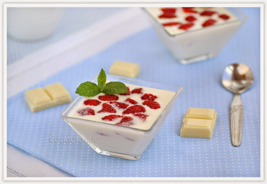 sopa-chocolate-blanco-fresas