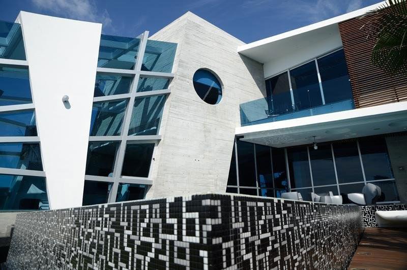 decoracion Casa Moderna e Futurista Com Muita Luz e Cor