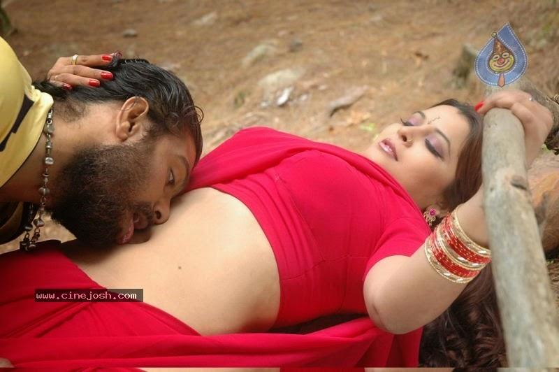 Actress Latest Hot pictures: South indian actress navel kissing photos ...
