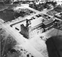 Iglesia del Pilar, en construcción, años 50