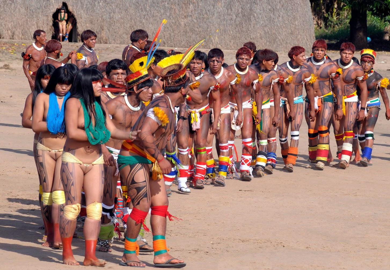 Khám phá bộ tộc thổ dân Yawalapiti thích ở truồng 1