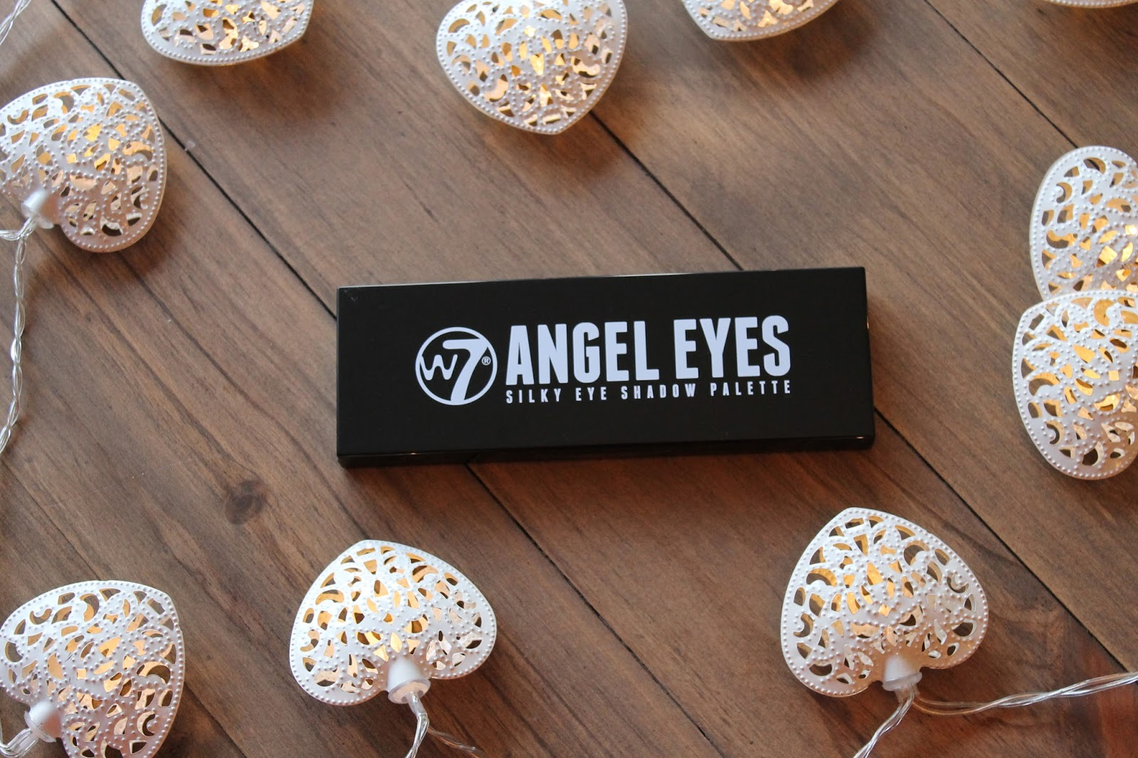 W7 Angel Eyes - Out on the Town
