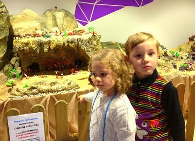 Playmóbiles prehistóricos en ocioinfantilenasturias