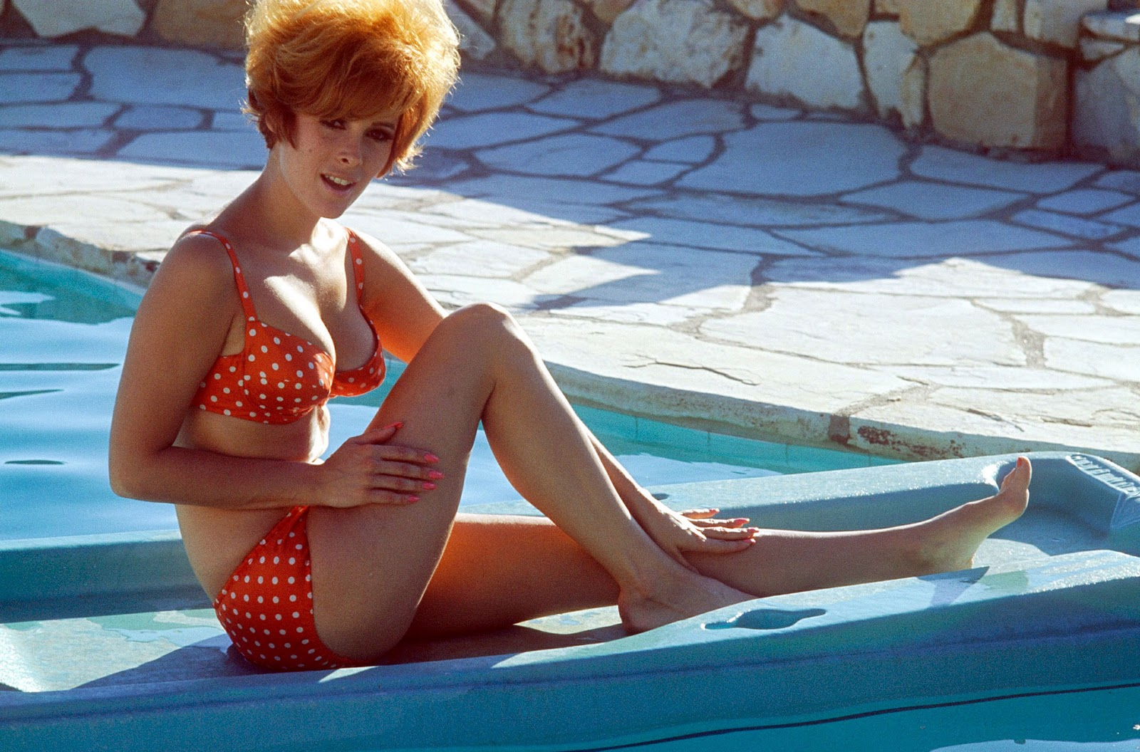 Jill St John Feet http://david-paris.blogspot.com/2011_11_01_archive.html