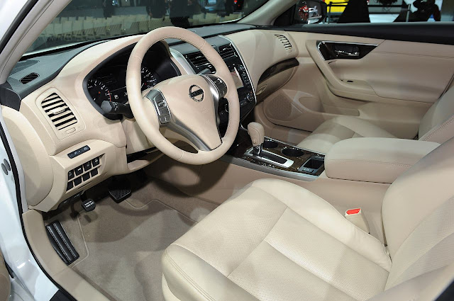 Nissan Altima 2013 - interior