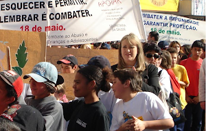CAMINHADA DIA DE COMBATE AO ABUSO E EXPLORAÇÃO SEXUAL DE CRIANÇAS E ADOLESCENTES