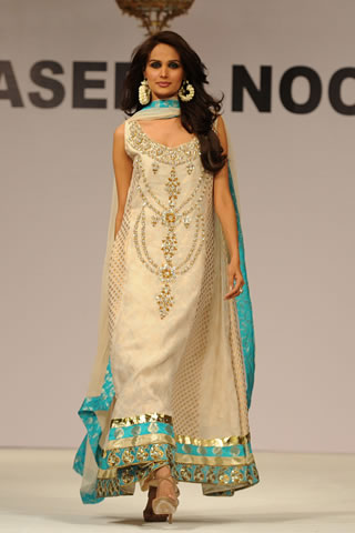 Designer Dress on White Party Wear  Formal Dresses  Bridal Wear Pakistani Dresses 2011