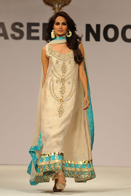 designer dresses in pakistan 2011