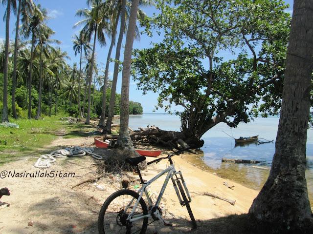 Pemandangan di pantai Nyamplungan, Karimunjawa