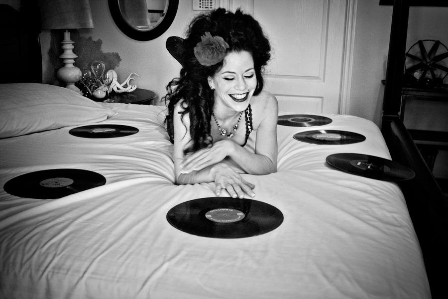 rockabilly boudoir shoot, amy winehouse inspiration
