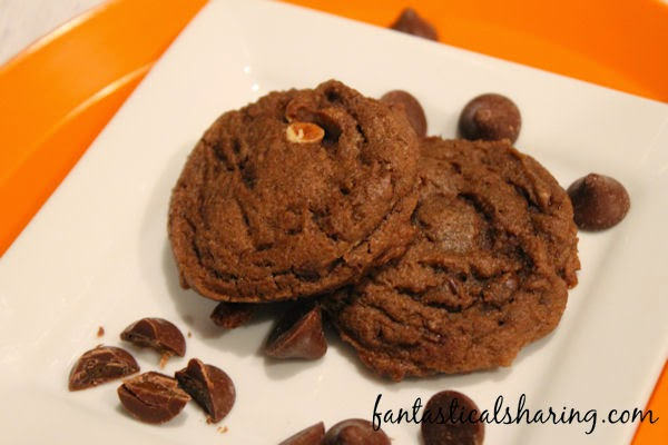 These Salted Caramel Hot Cocoa Cookies featuring Nestle Toll House DelightFulls filled baking morsels are out of this world delicious combining salted caramel and chocolate together #TollHouseTime #DelightFulls #sp