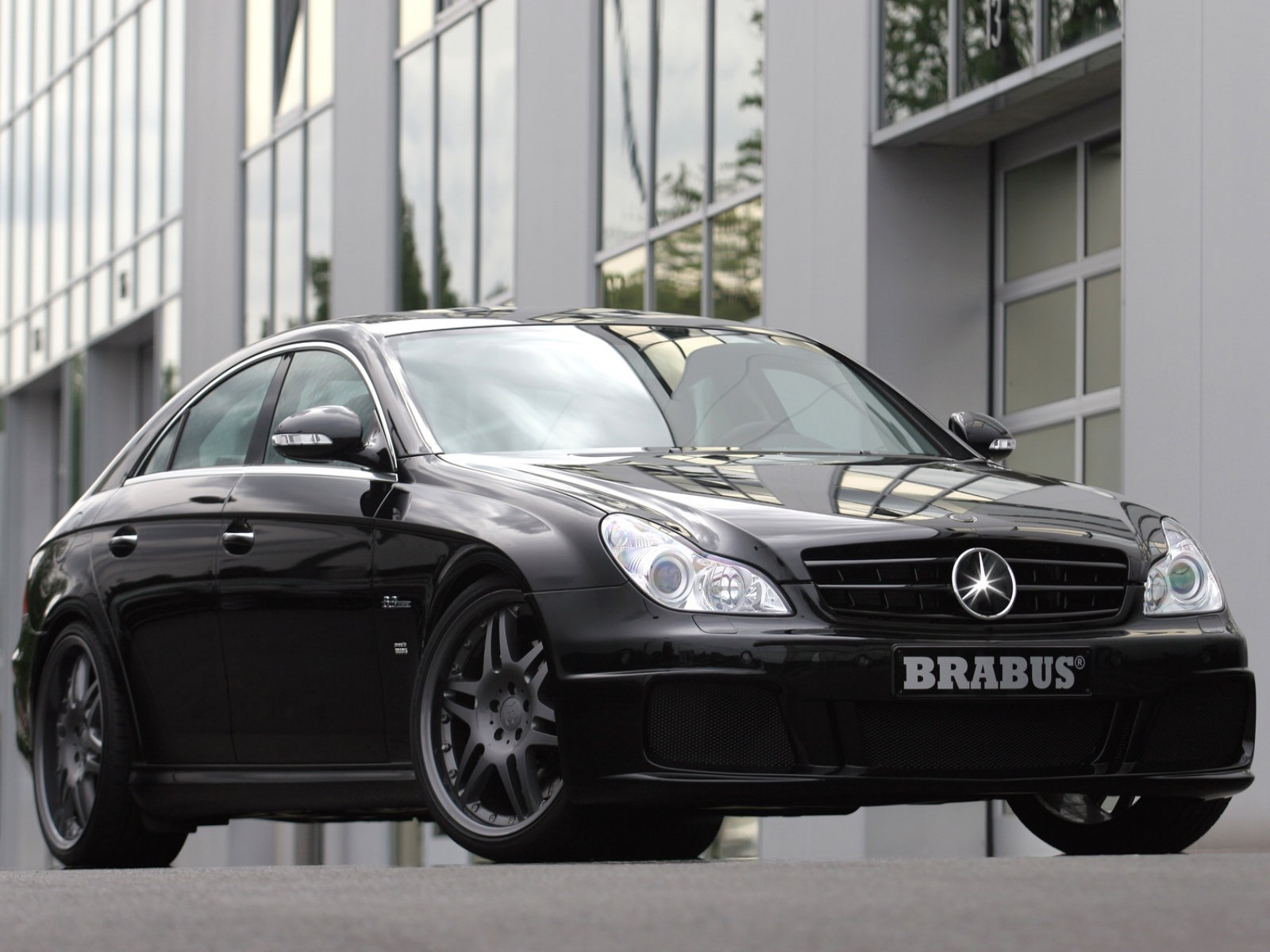 http://2.bp.blogspot.com/-nl1T6abjrIA/TduMN9-RsAI/AAAAAAAAApM/i5T24FLQjtc/s1600/2007+Brabus+Mercedes-Benz+CLS+B63+S.jpg