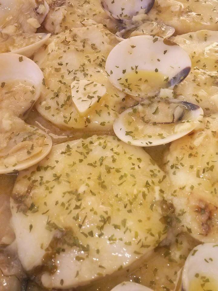 Merluza a la vasca koskera o salsa verde las recetas de for Cocinar merluza a la vasca