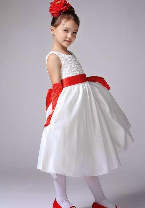 foto anak kecil memakai gaun pesta