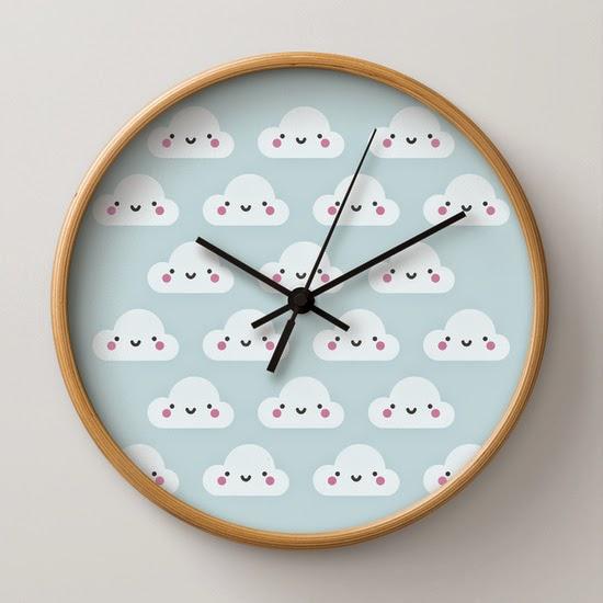 reloj con ilustración nubes decorar