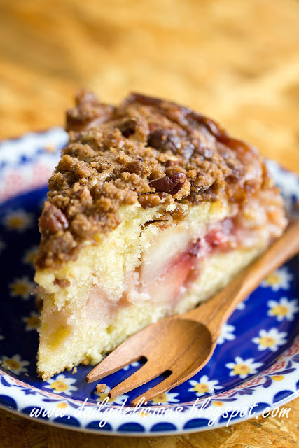 dailydelicious: Apple and strawberry Crumb Cake: Comforting time