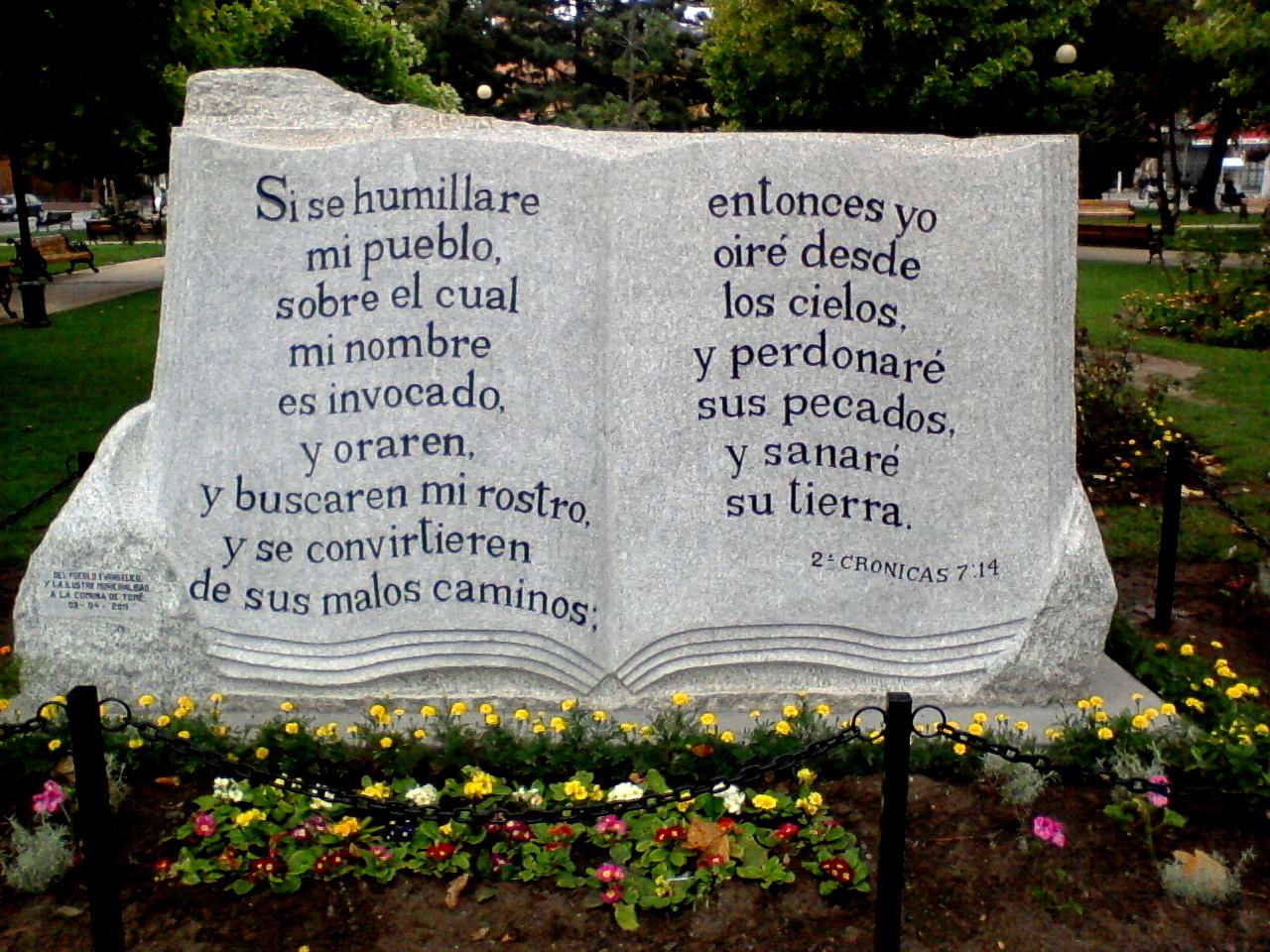 una luz de esperanza img: Monumento a la Biblia: Un regalo del ...