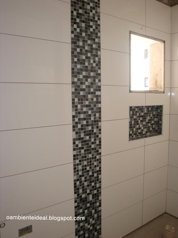 O AMBIENTE IDEAL Banheiro parte 2 = social + nicho + faixa + revestimento -> Banheiro Com Faixa De Pastilha Atras Do Vaso