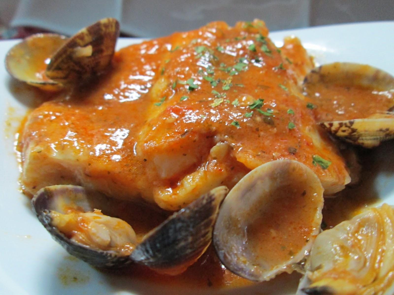 La cuisine de paqui bacalao con almejas en salsa de - Bacalao con garbanzos y patatas ...