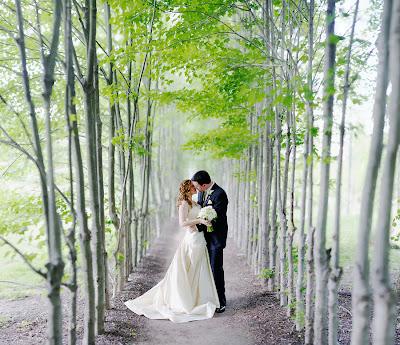 Свадебное фото: алея счастливых душ