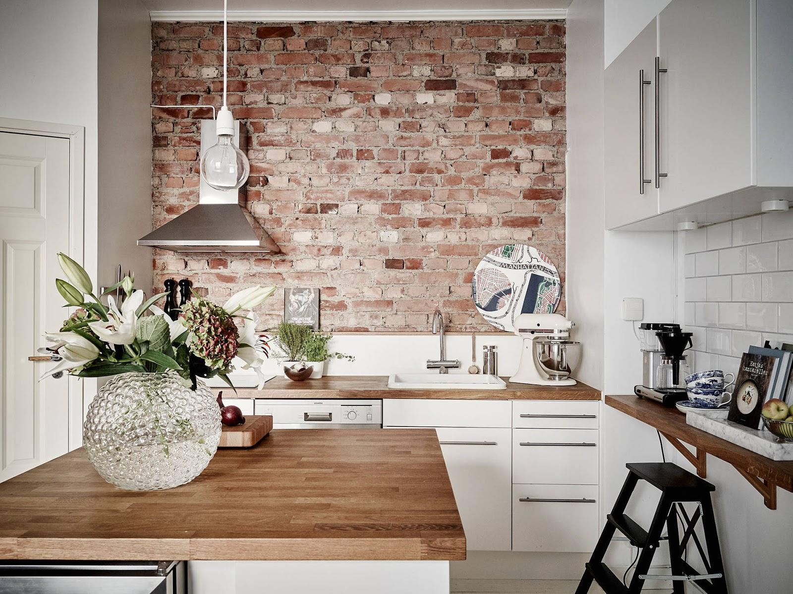 Teglsteinsvegg kjøkken