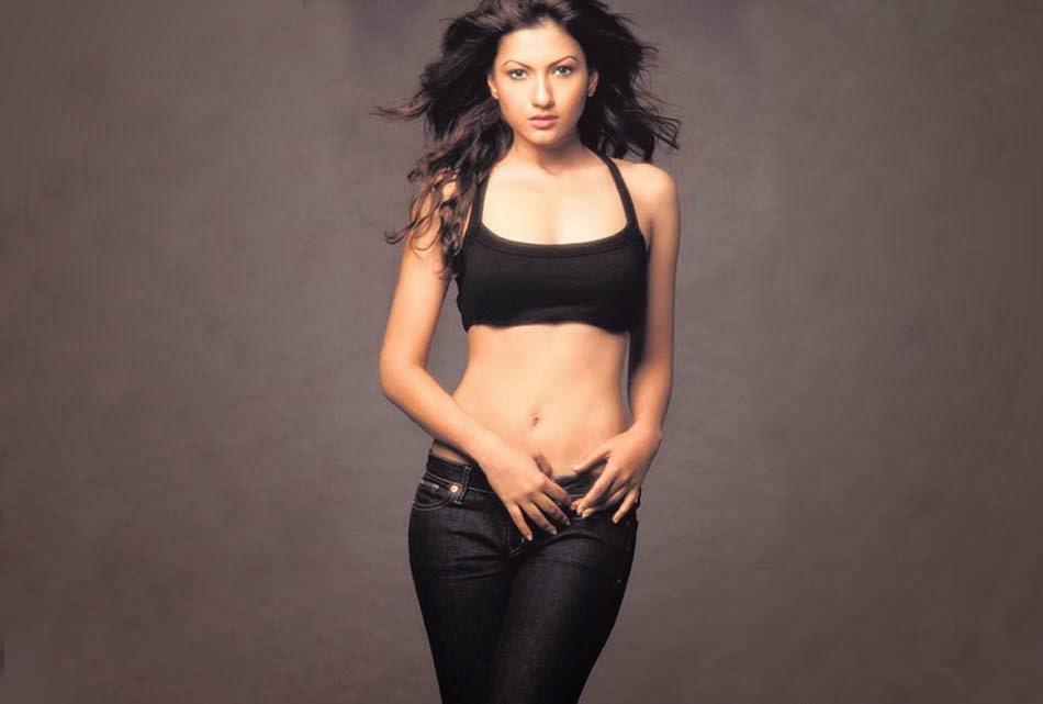 Gauhar Khan Hot in black Jeans