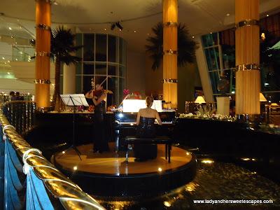 Jumeirah Beach Hotel's Lobby