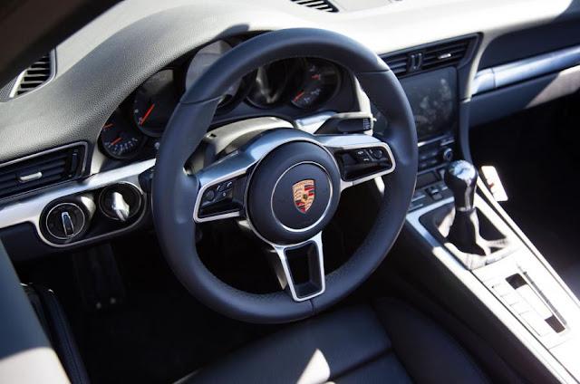 Novo Porsche 911 2016 - interior