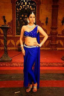 Actress Divya Parameshwaran Show Pictures 7.jpg