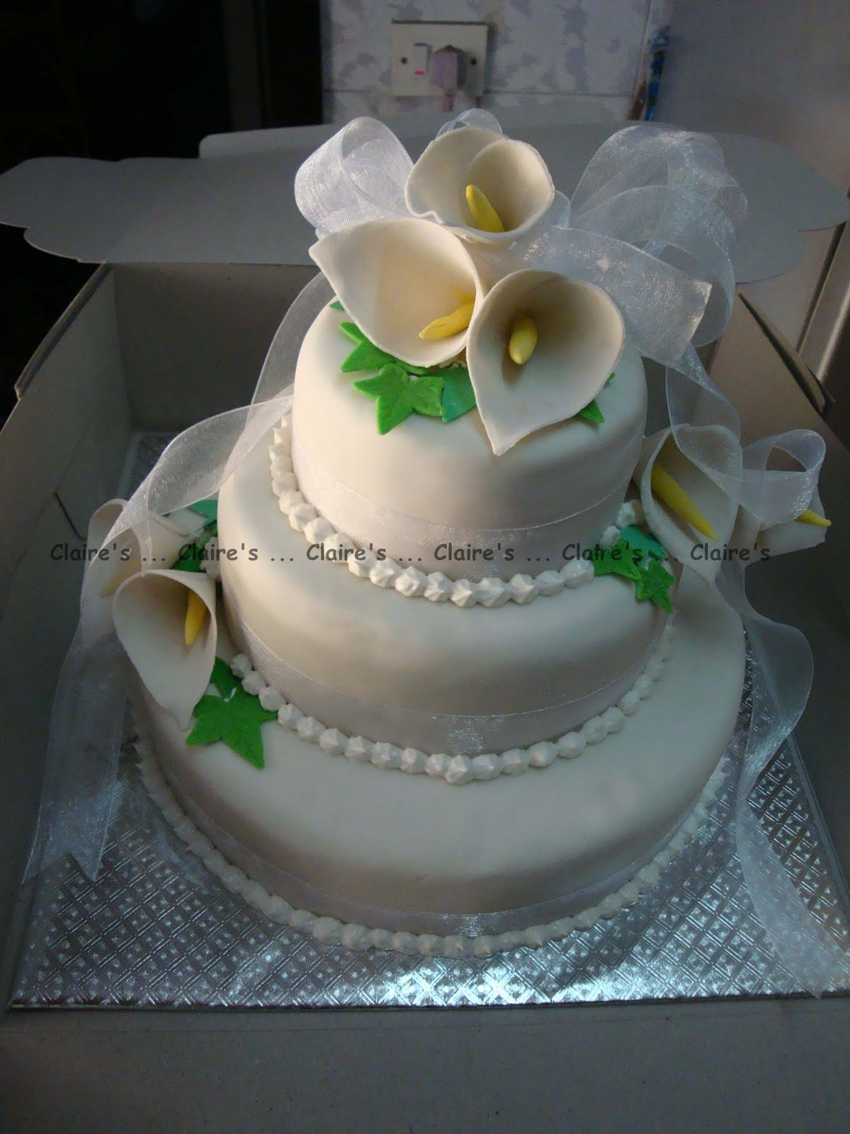 Claire s Party Supplies Calla Lily Wedding Cake