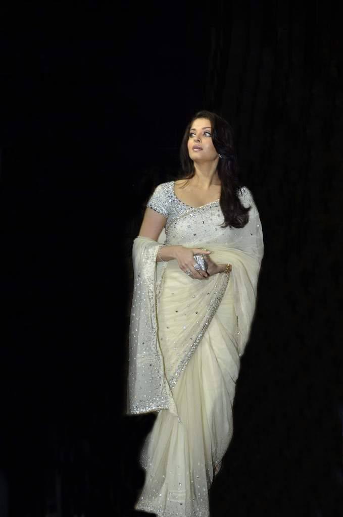 photos aishwarya rai saree photos actress aishwarya rai saree photos ...
