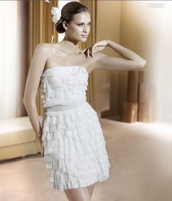 Vestido de noiva, curto, ultima tendencia