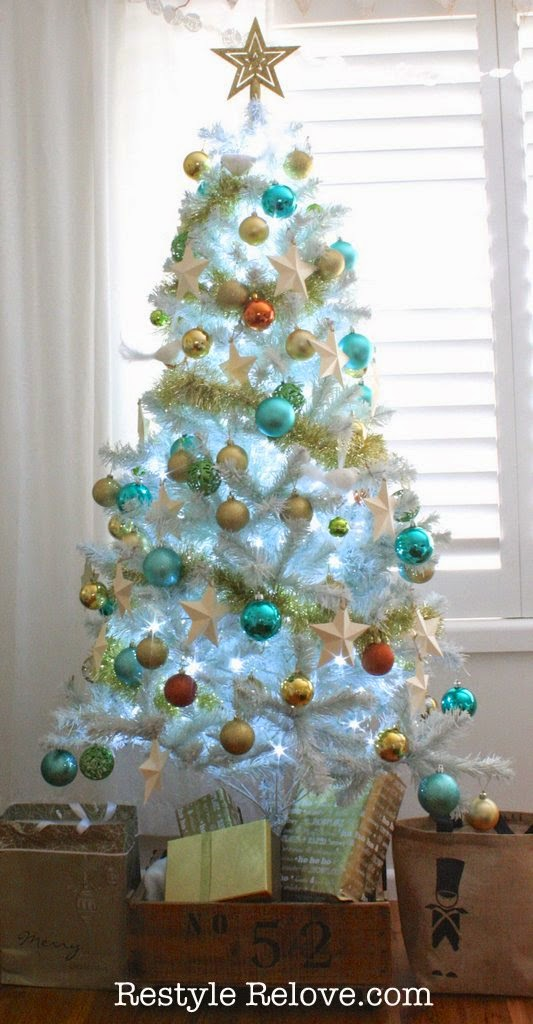 Our 2014 Aqua and Gold Christmas Tree