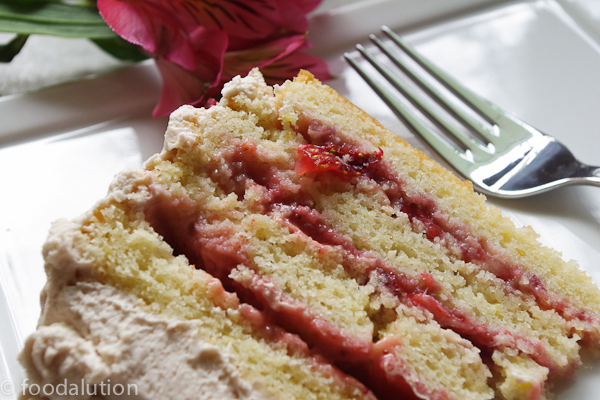Foodalution: Strawberry Blonde Cake with Mascarpone Frosting
