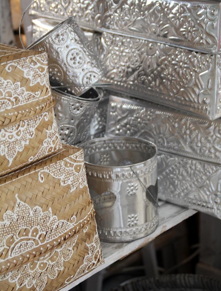 Bali Styling bemalte Körbe auf der Messe VT Wonen & design beurs in Amsterdam