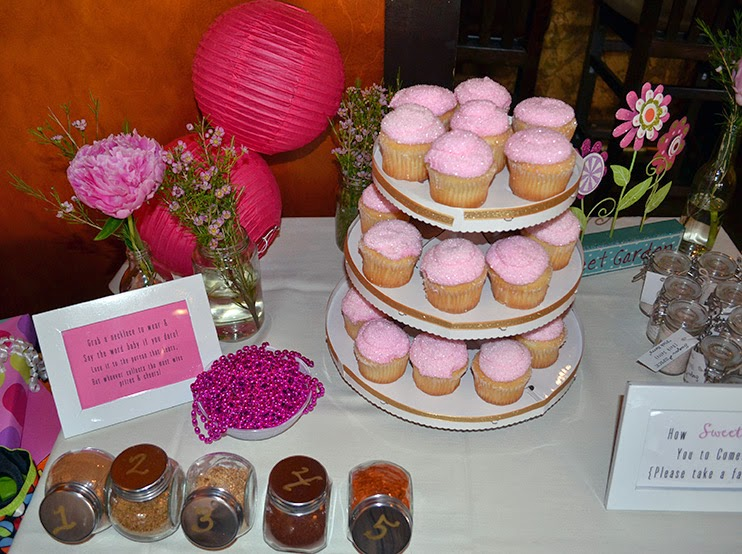 dessert and favor table