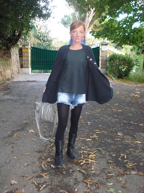 fashion blogger roma,zara denim pants, topshop, poncho, mercantia orecchini, balenciaga velo, roma, sabato romano