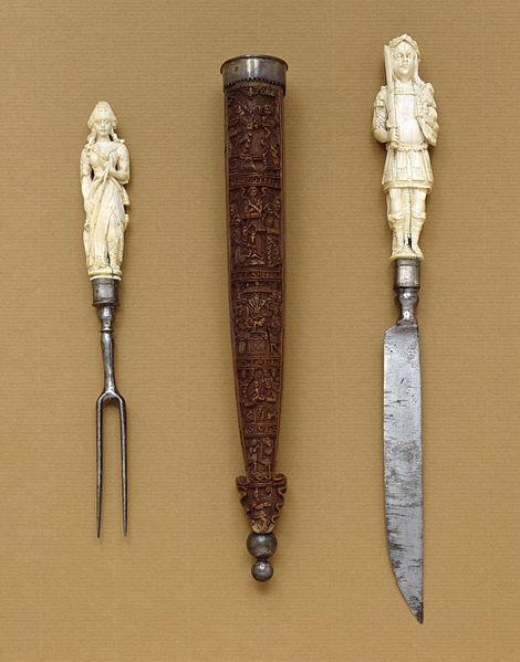 Amor en la mesa el tenedor del diablo for Tenedor y cuchillo en la mesa