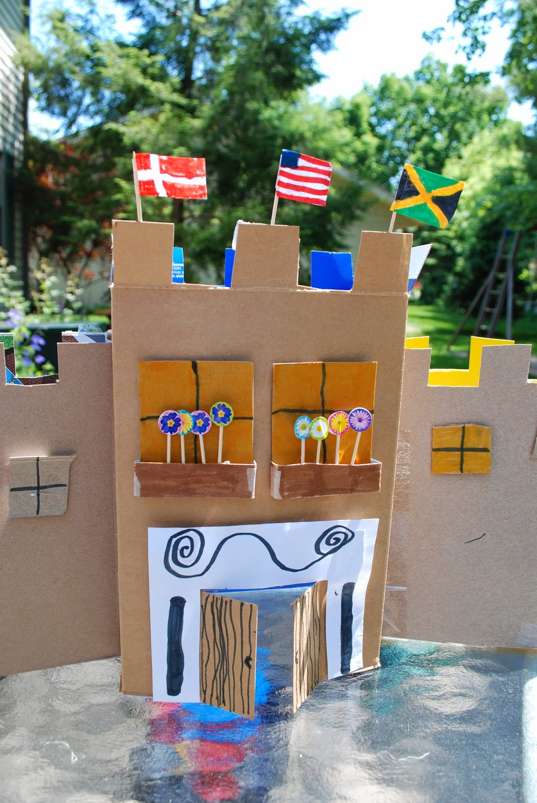 how to make a castle out of cardboard and paper