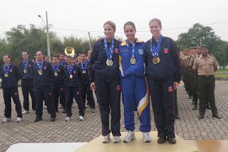 Da esquerda para a direita: Sgt Mariana (EB), 1º Ten Raquel Gomes (FAB) e Cap Mônica (EB)