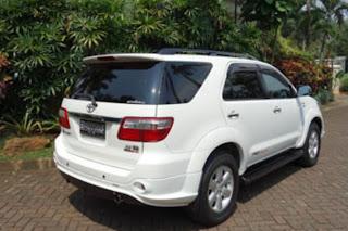 dijual toyota fortuner diesel putih 2010