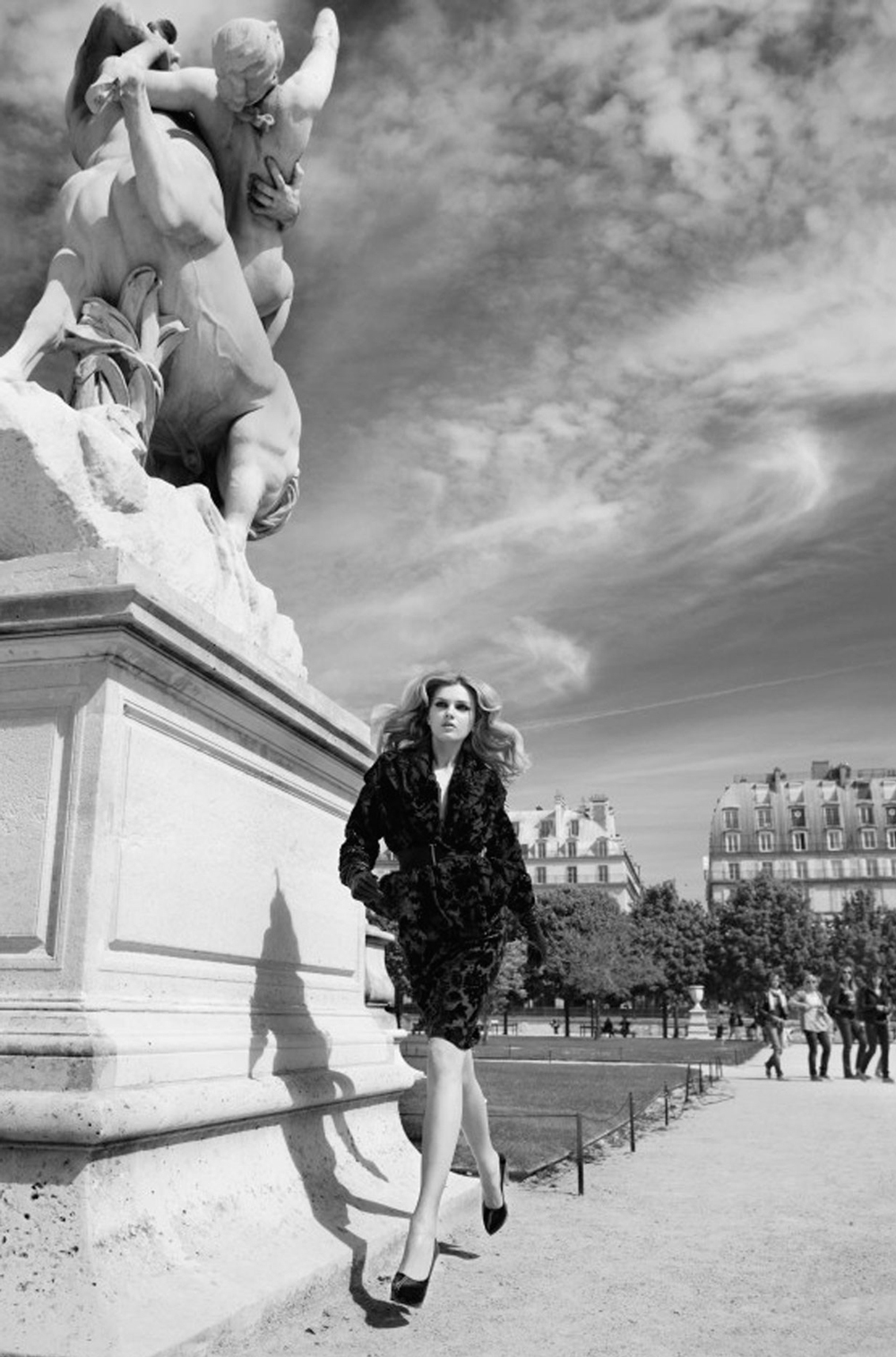 Lily Donaldson in Lanvin by Alber Elbaz in Paris / Vogue UK 2009 (photography: Patrick Demarchelier) via www.fashionedbylove.co.uk